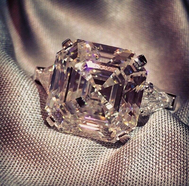 11.5 ct Graff Diamond ring ~ Instagram   Graff Jewelry   Pinterest ...