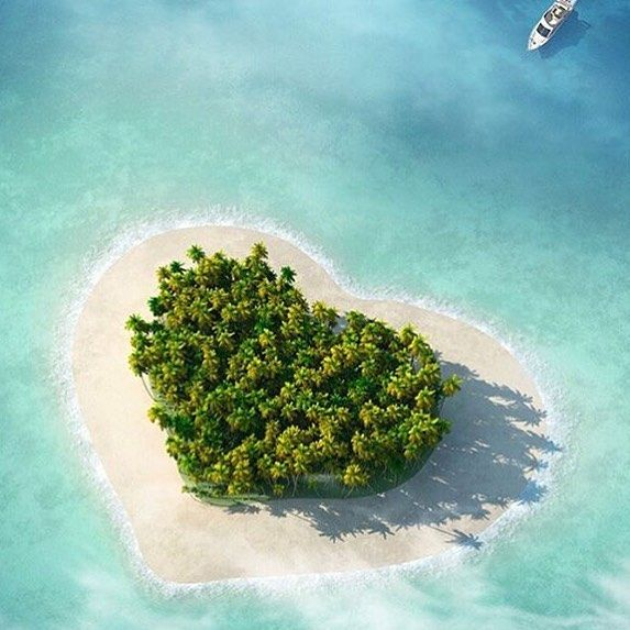 LOVE EVERYONE  #happyvalentinesday #lovehotelhomeaust #hotelhomeaust #heartisland
