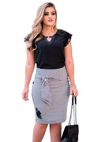 e128c24ed saia justa preto e branco quadriculada aplicacao floral amarracao cintura  raje jeans frente