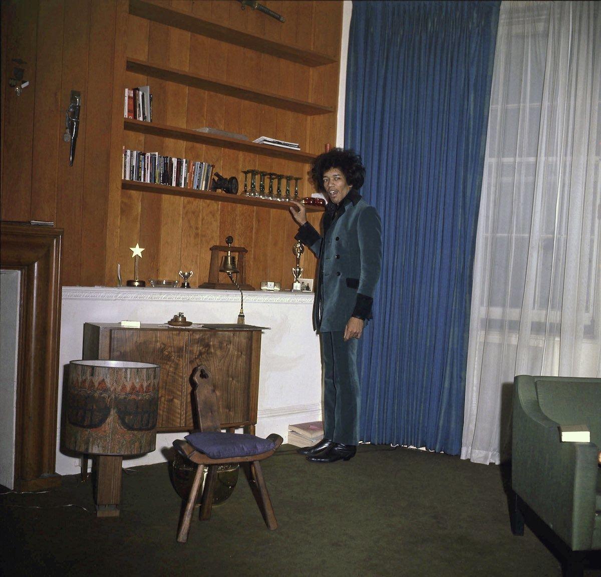 Así vivía Jimi Hendrix (antes de que Ringo Starr lo echara a la calle) | NOISEY