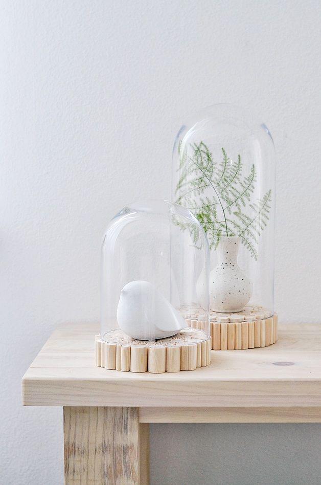 Deko objekte glasglocke mit holzsockel s ein for Herbst dekoration im glas
