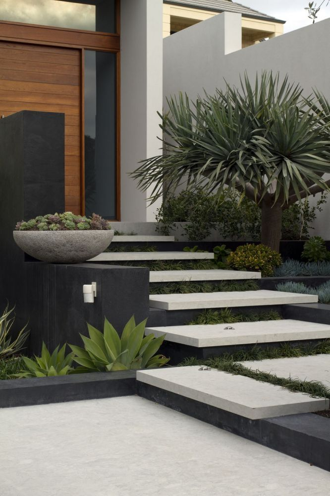 Branksome by tim davies landscaping contemporary for Front door steps ideas