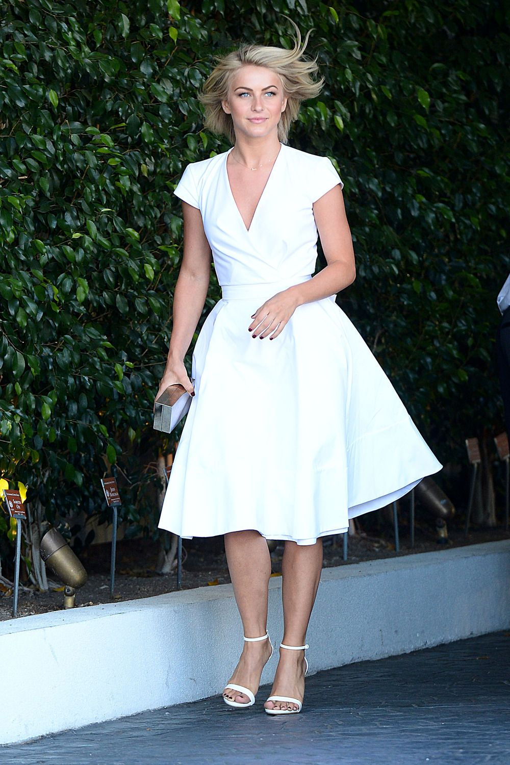 Julianne Hough in white #juliannehoughstyle