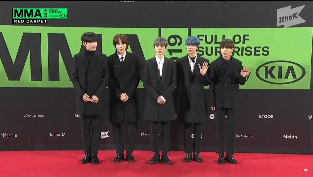 Bts X Txt On Twitter Txt At Mma 2019 S Red Carpet Bts Red Carpet Korea Twitter Txt In 2020 Mma 2019 Red Carpet Txt