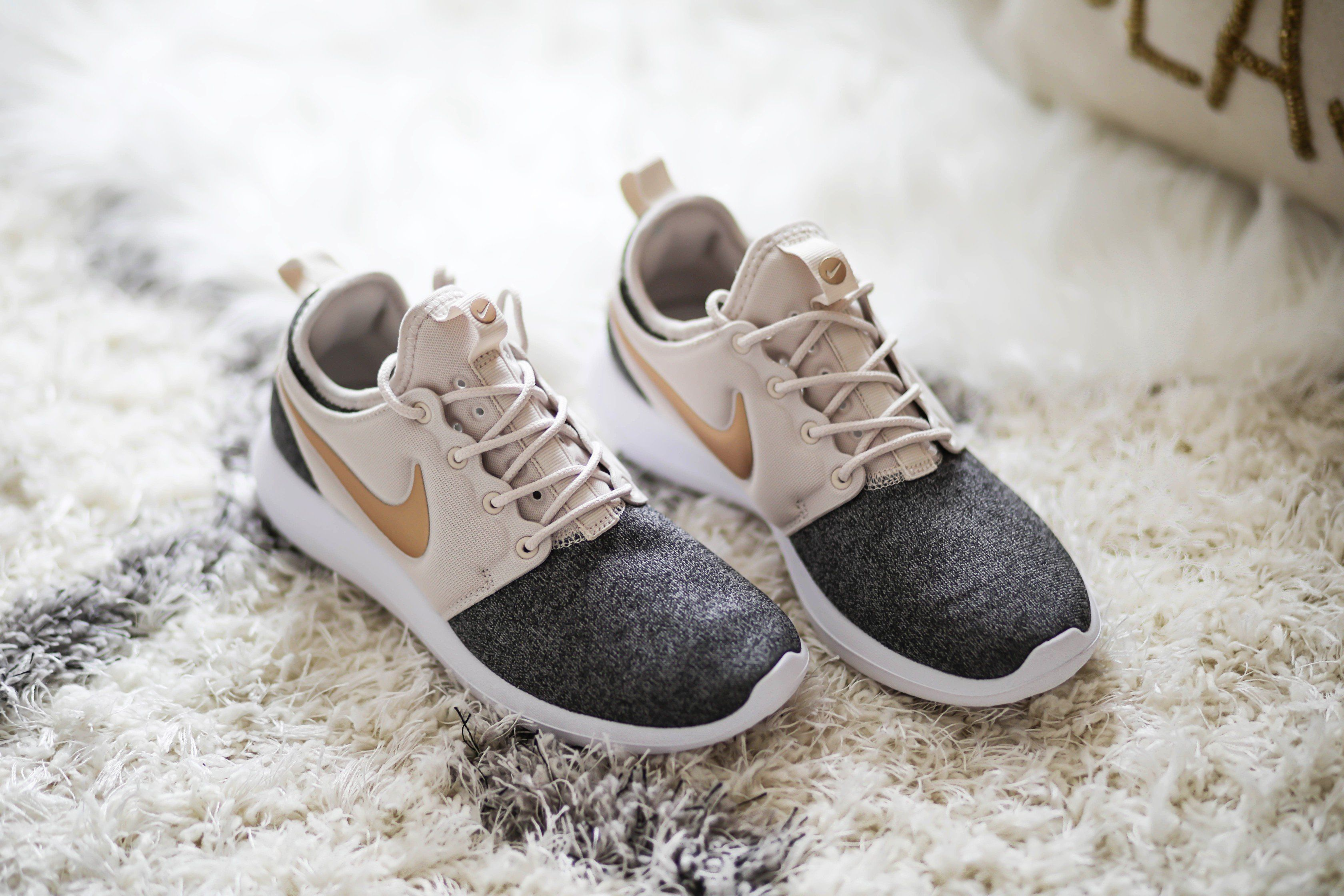 e75f99e22498 Women s Nike Roshe Two Knit Casual Shoes WHAT I GOT FOR CHRISTMAS 2017