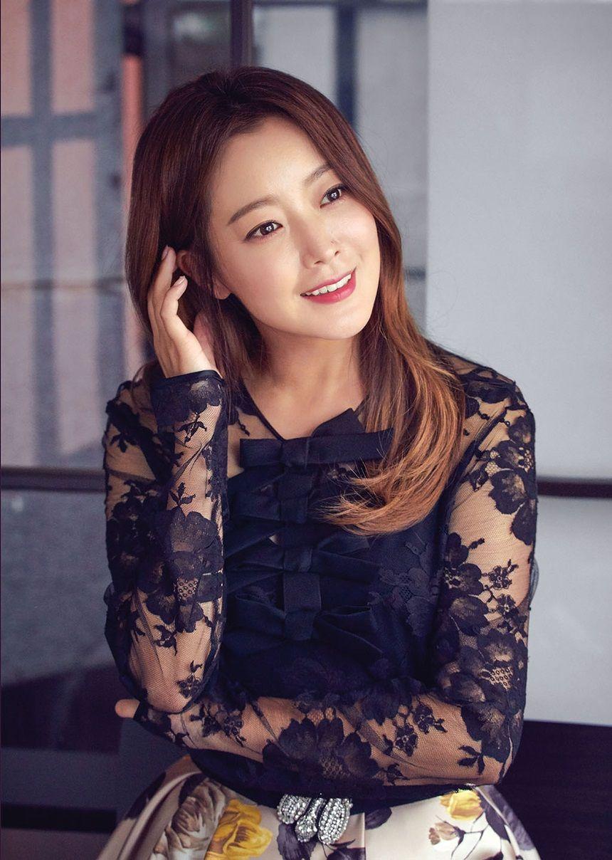Hee-seon Kim Nude Photos 39