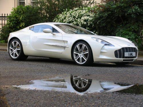 The Aston Martin One 77 James Bond Would Be Envious Aston Martin Super Cars Cars
