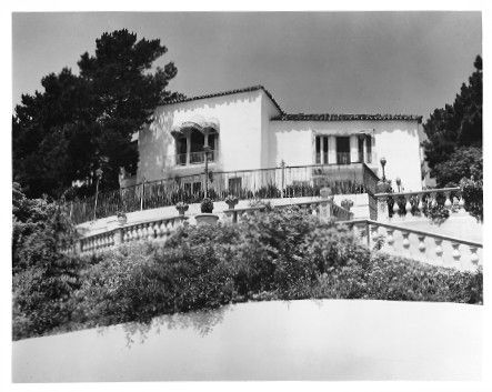 I can't believe that they bulldozed this down in 2006.  Rudolph Valentino's beloved home.