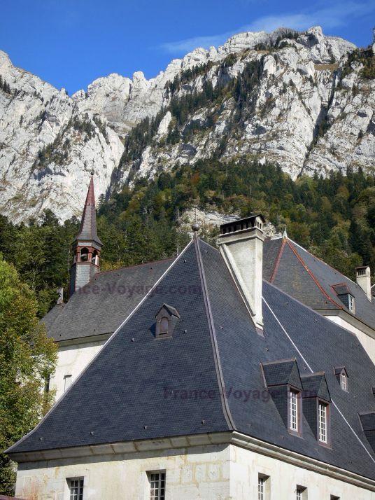 Monast re de la grande chartreuse falaises du massif de - Office du tourisme st pierre de chartreuse ...