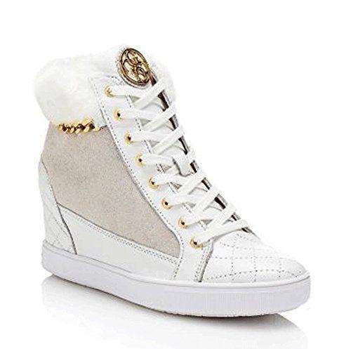 GUESS (Furr) Sneaker Alta Donna Camoscio Pelliccia Zeppa Catena Bianca FL4FURSUE12 in OFFERTA su www.kellieshop.com Scarpe, borse, accessori, intimo, gioielli e molto altro.. scopri migliaia di articoli firmati con prezzi da 15,00 a 299,00 euro! #kellieshop Seguici su Facebook > https://www.facebook.com/pages/Kellie-Shop/332713936876989
