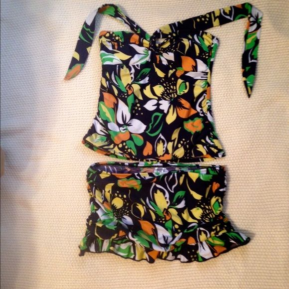 SALE NWOT Athena For Eddie Bauer Tankini Gorgeous navy tankini and matching ruched skirt bottoms with bright floral design.  Never worn. Athena for Edfie Bauer Swim Bikinis