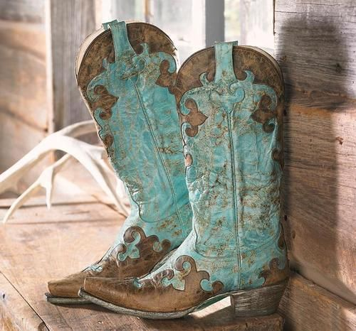 turquoise cowboy boots look like it s in the details