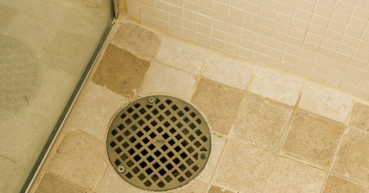 Cómo colocar azulejos al suelo de una ducha   Desagüe de ...