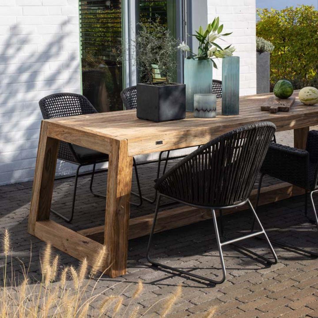 Nero Gartentisch Esstisch In 2021 Rustikale Gartenmobel Gartentisch Mit Stuhlen Gartentisch Holz Rustikal