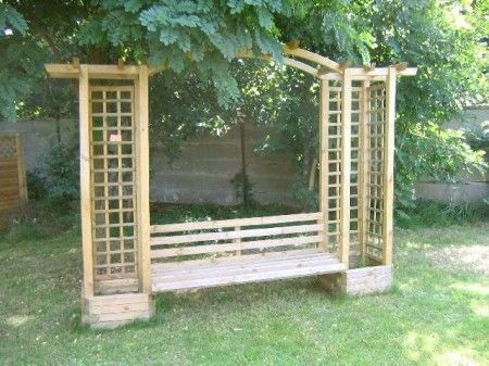 pergola mit bank und rankgitter f r den garten feuerstelle garten pinterest rankgitter. Black Bedroom Furniture Sets. Home Design Ideas