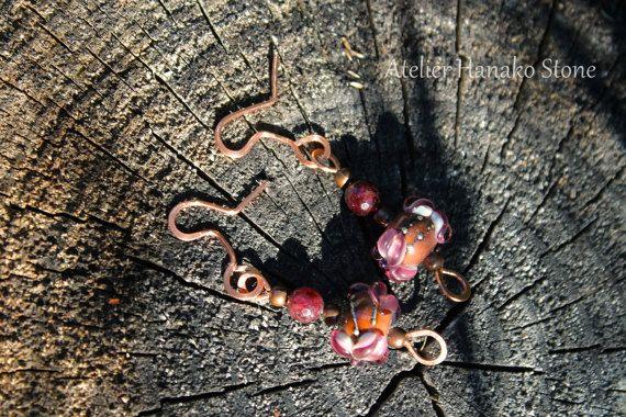 Retrouvez mes creations sur Etsy, chez https://www.etsy.com/fr/listing/244831747/boucles-doreilles-grenats-perles-de