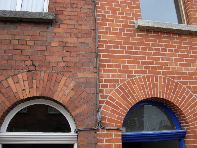 Knowing When And How To Repoint Your Home Hunters Roofingrepairoldhouses Brick Restoration Brick Repair Brickwork