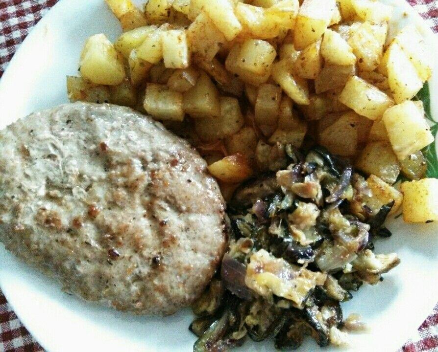 Svizzera di vitello, zucchini con cipolla, patate