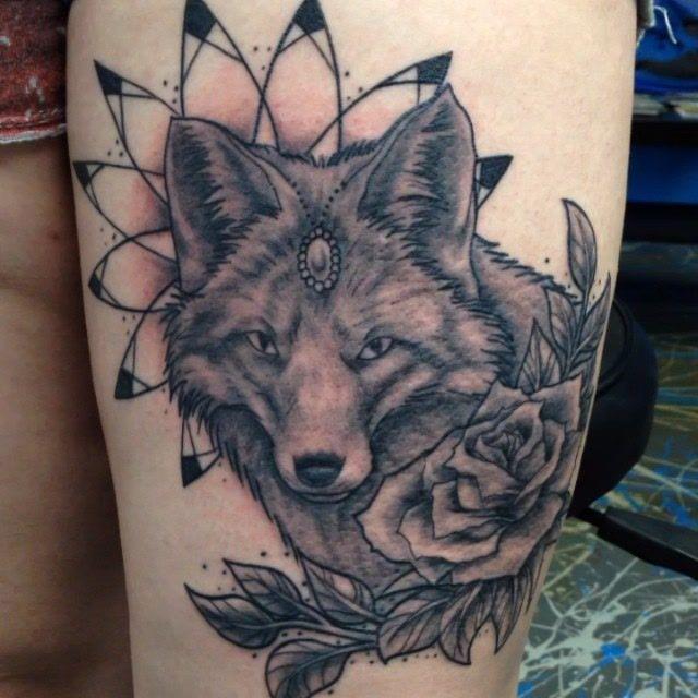 Savemyink Tattoos Iskotew Gladu Female Tattoo Black And Grey Tattoo Upper Leg Black And Grey Tattoos Grey Tattoo Black Tattoos