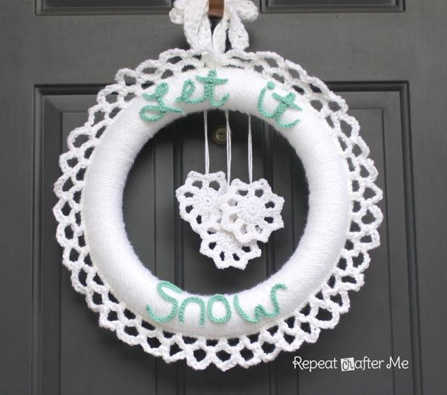 Photo of Crocheted Winter Wreath – Repeat Crafter Me