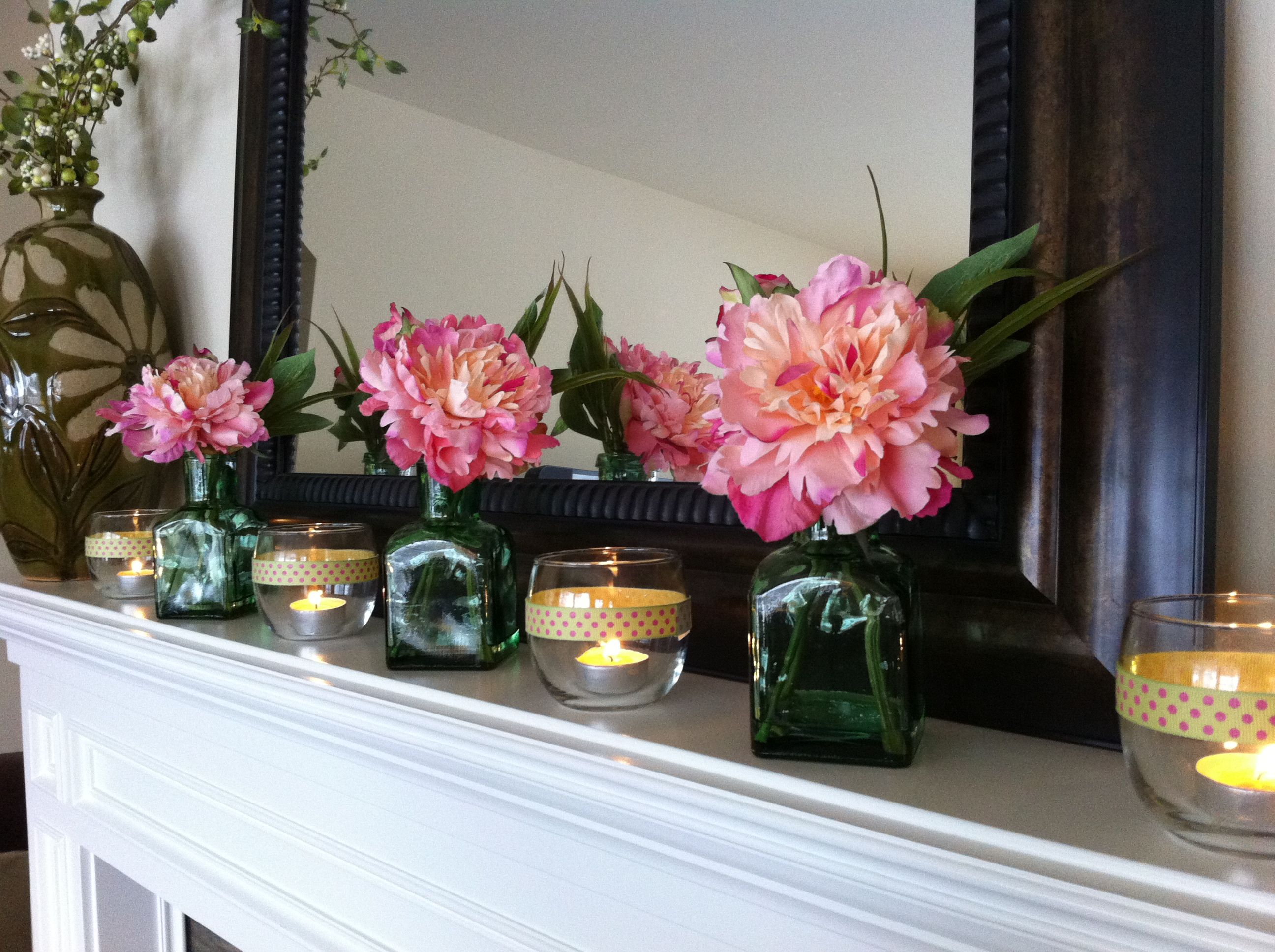 Pink and Green Mantle
