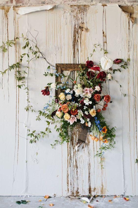 frame and flowers wedding backdrop // http://www.deerpearlflowers ...