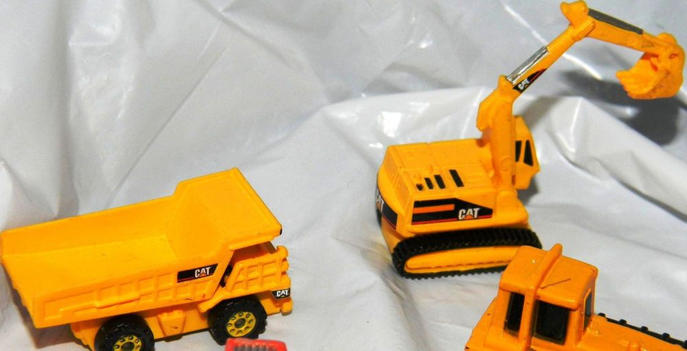 Lunch Truck For Sale >> Hot Wheels Planet Micro Atomix Excavator CAT DUMP TRUCK ...