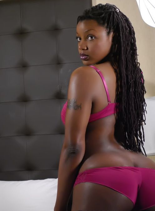 Mature ebony nudes cams