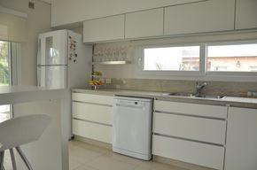 Mueble de cocina en melamina blanca | LESAR AMOBLAMIENTOS ...