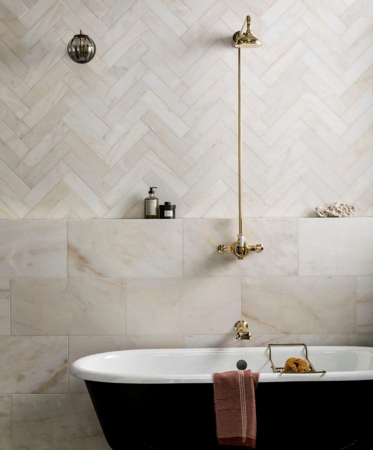 Calacatta Bernstein Geschliffener Marmor Badezimmer Badezimmer Design Fur 101 Amber Fli Badezimmer Badezimmer Design Badezimmerideen