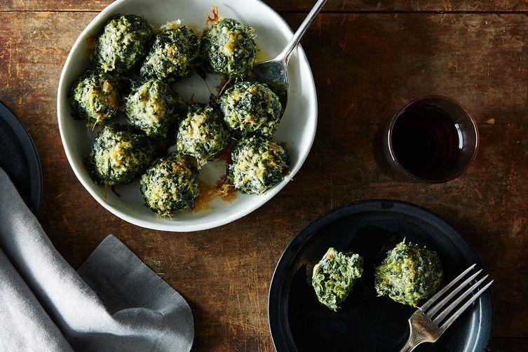 #Italian Gnocchi Verde | #butter #spinach #ricotta #eggs #flour #parmesan #nutmeg #vegetarian #entertaining #MUSTMAKE