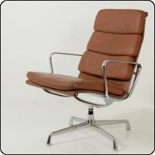 Softpad EA216 Lounge Chair by Charles and Ray Eames for Herman Miller
