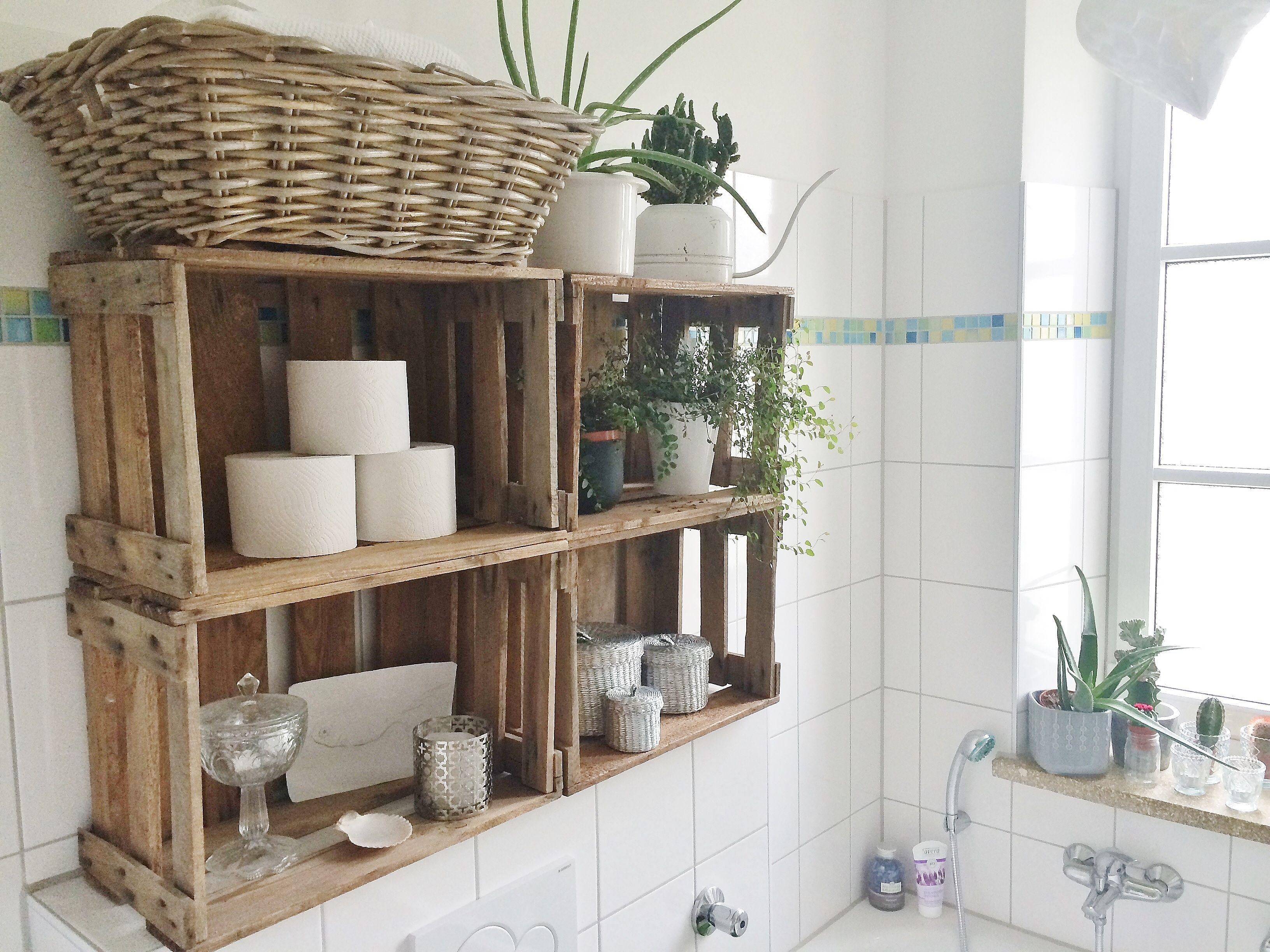Weinkistenregal im Bad  Badezimmer  Pinterest  Badezimmer Regal bad und Einrichtungsideen