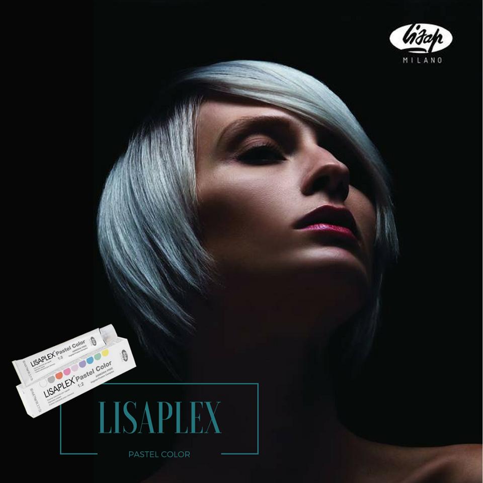 ¿Quieres aplicar un tono diferente y moderno a tu cabello? Es el turno de Lisaplex Pastel Color, una coloración semipermanente efecto tono pastel, enriquecida con Vegetal Protein Complex y totalmente libre de amoníaco. ¡Disfruta de colores tan diferentes como el gris perla delicado, azul cielo, burbuja rosada y muchos más!