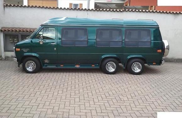v8 van six wheel and 4x4 custom v8 van conversion big bad van pinterest 4x4 vans and wheels. Black Bedroom Furniture Sets. Home Design Ideas
