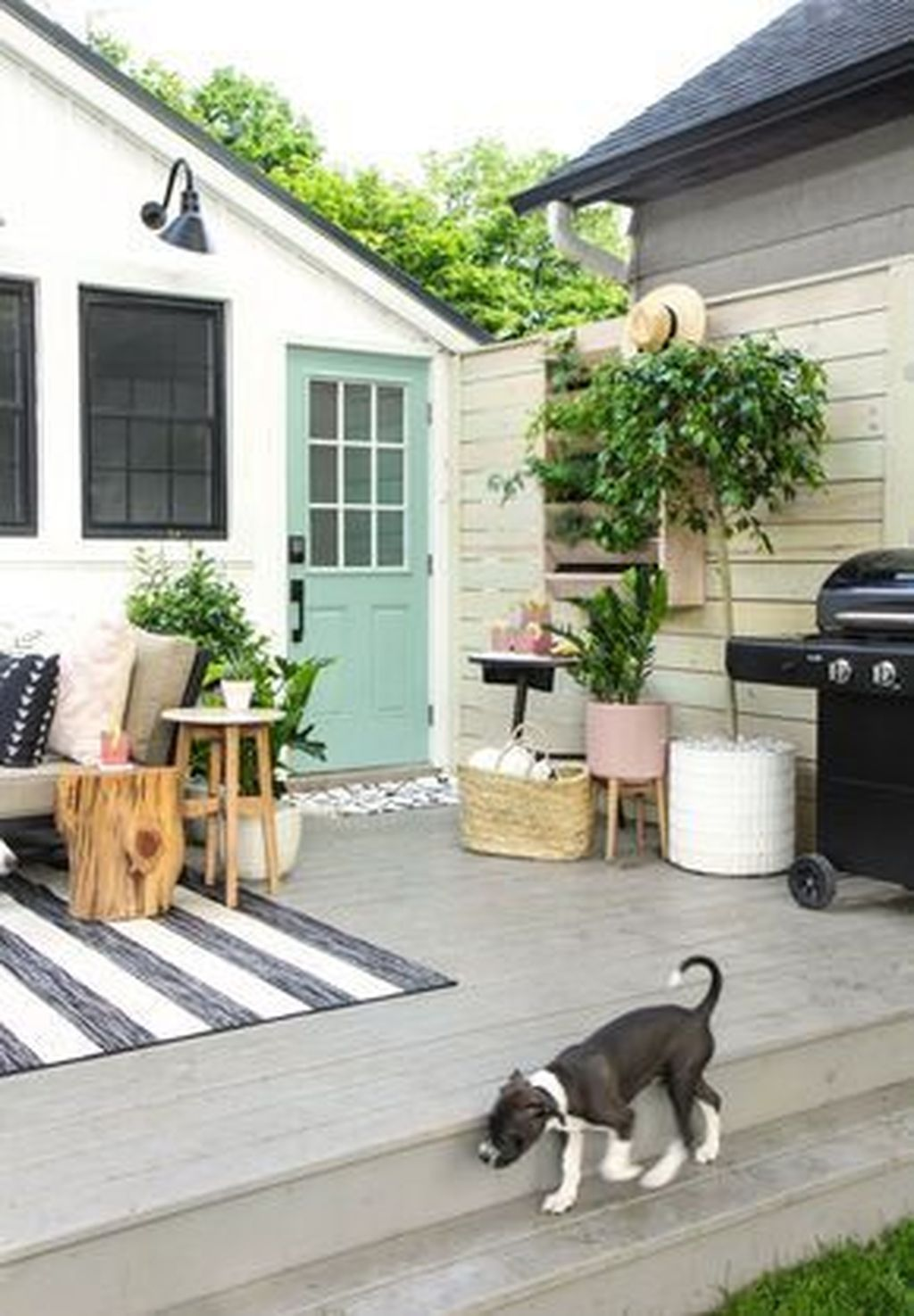 37 Amazing Small Backyard Makeovers Ideas On A Budget #backyardmakeover