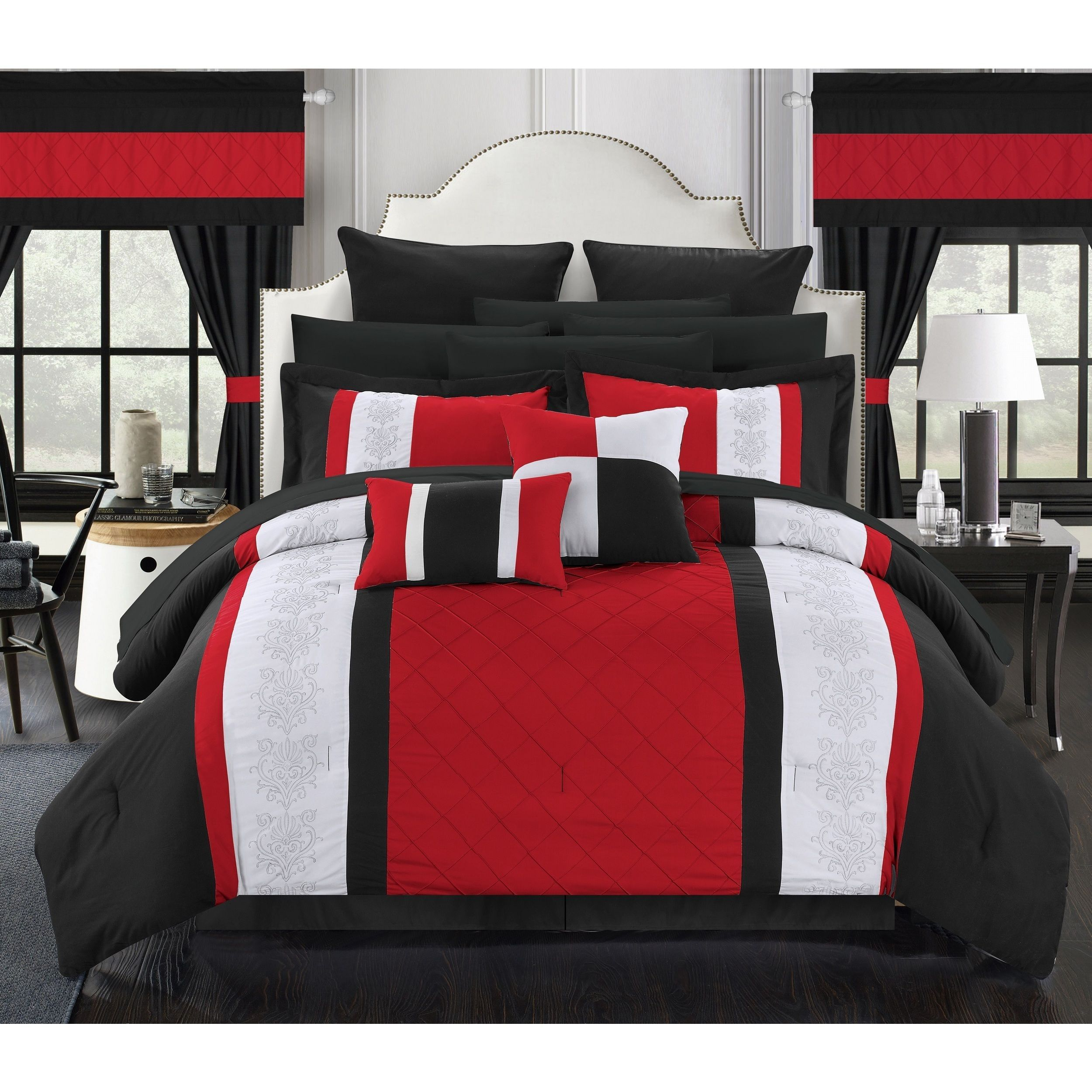 Black Colour Bedroom Off White Bedroom Curtains Bedroom Chandeliers Pottery Barn Small Bedroom Lighting Ideas: Black, Red And White Color Blocks Top This Stunning