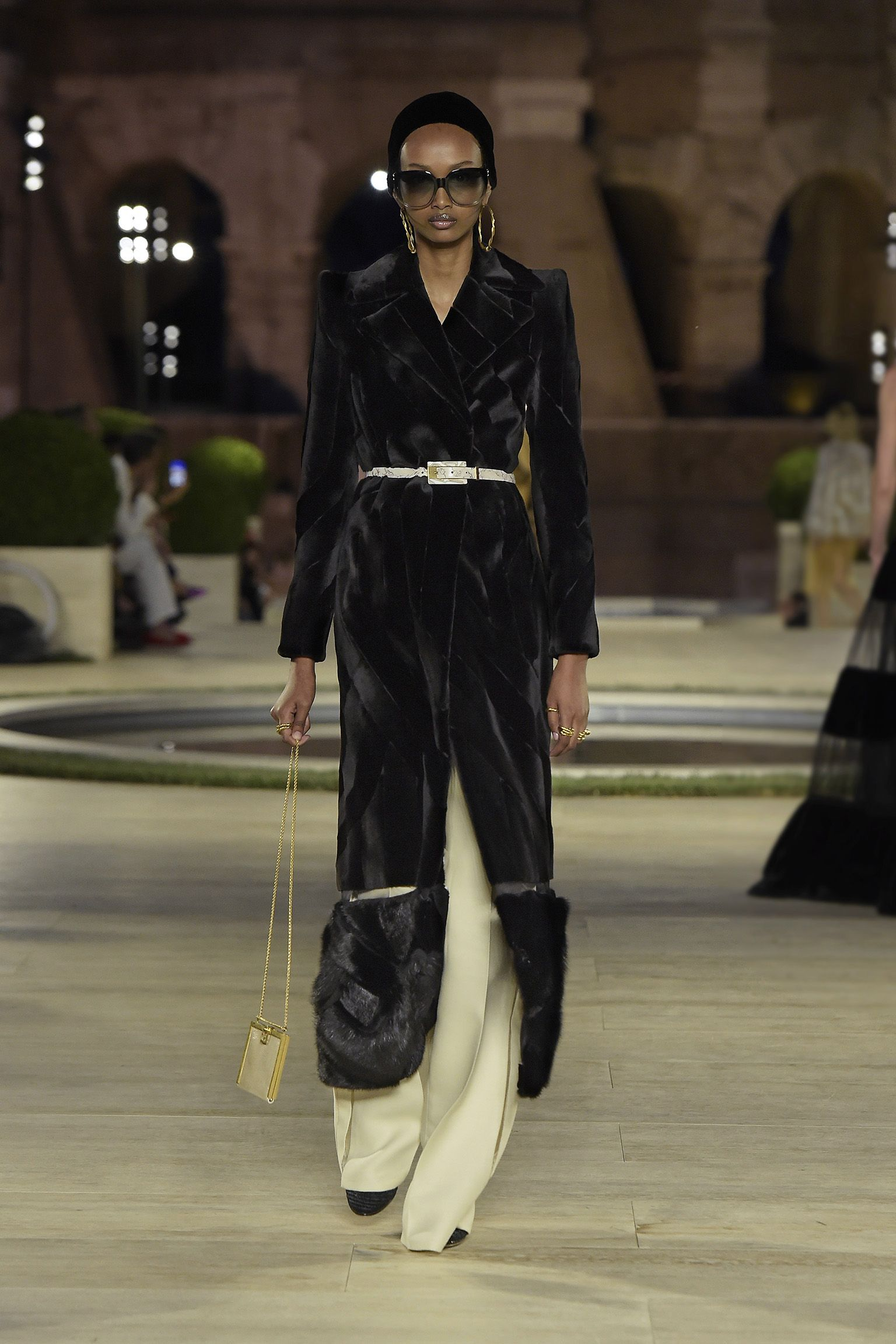 Official Start Of Fall 2020.Fendi Couture Fall Winter 2019 2020 Collection