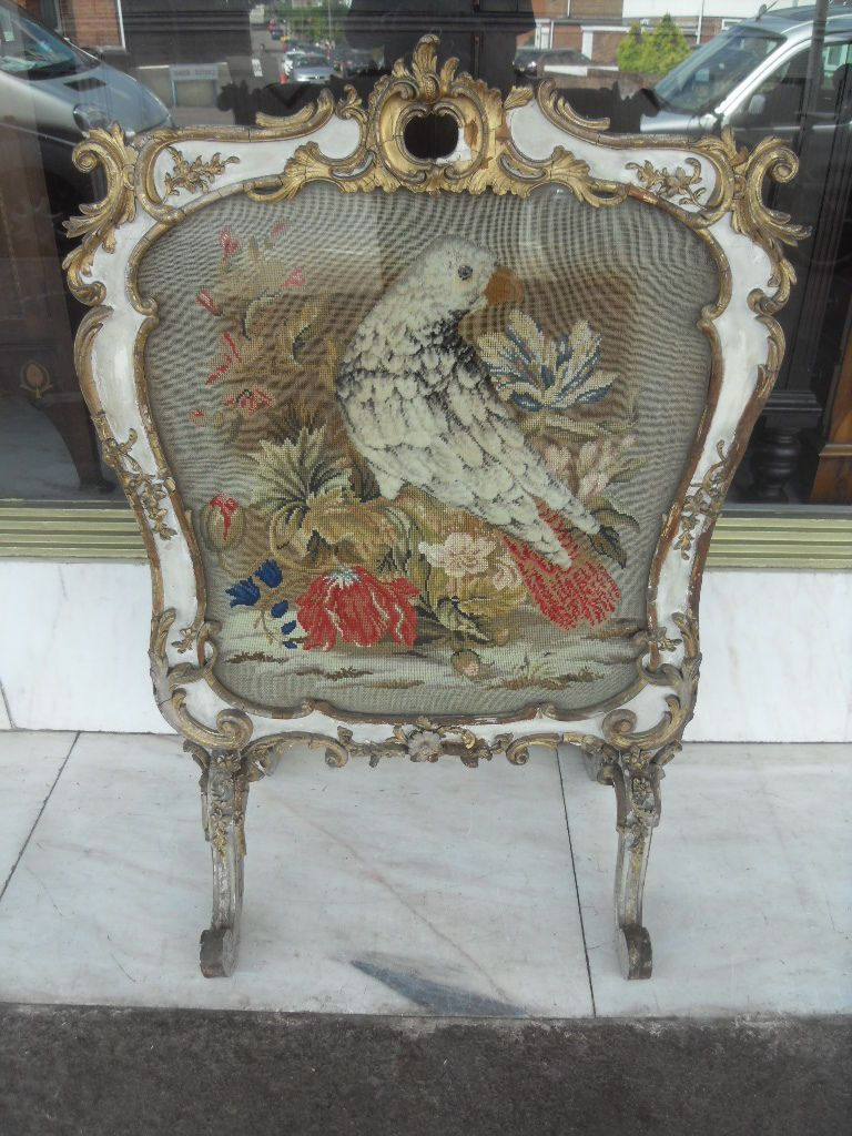Antique furniture - Victorian Antique Fire Screen With Gilt Gesso Moulding Decorative