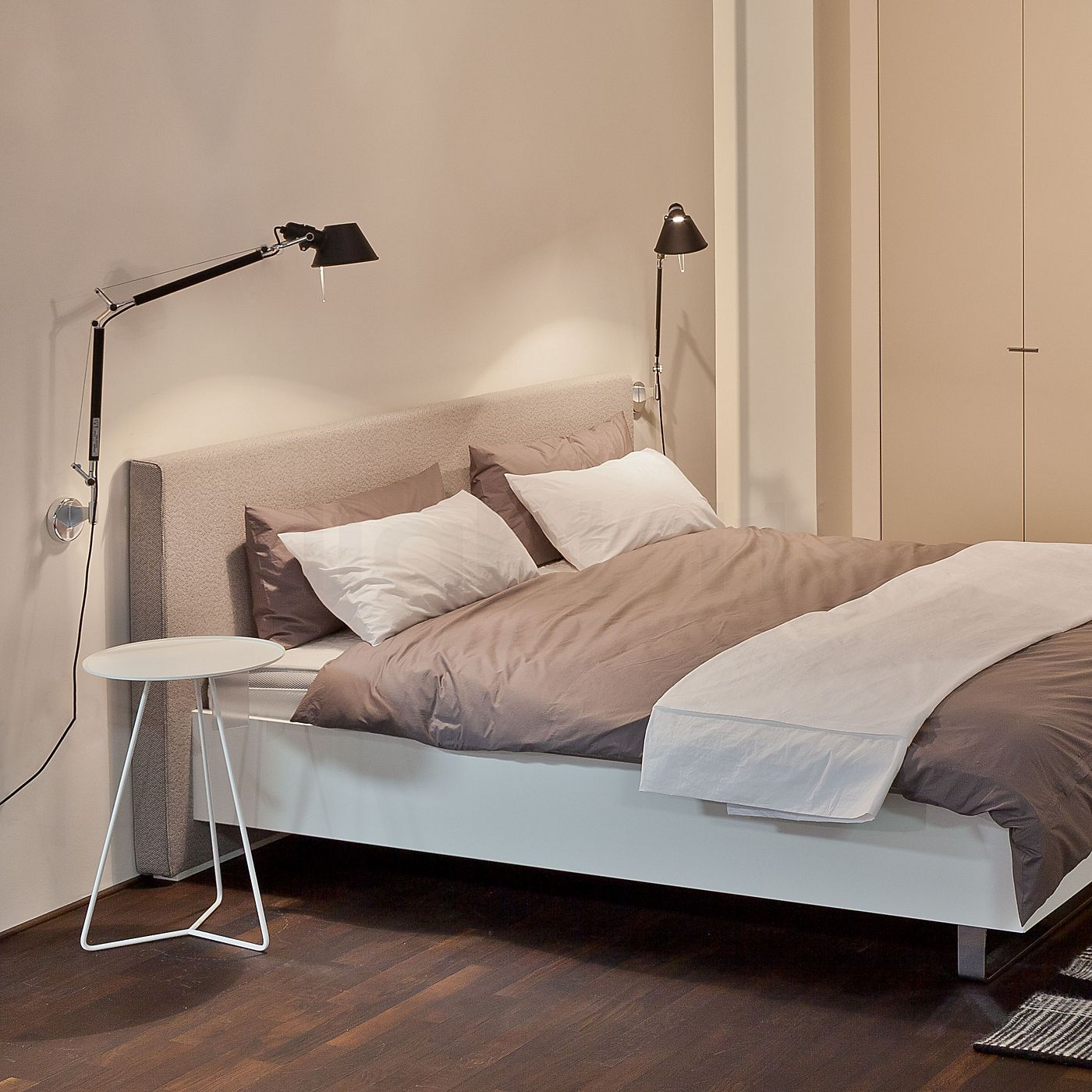 Tolomeo Wall Lamp Bedroom : Artemide Tolomeo Parete beedroom inspiration - sovev?relser Pinterest Lights, Interiors ...