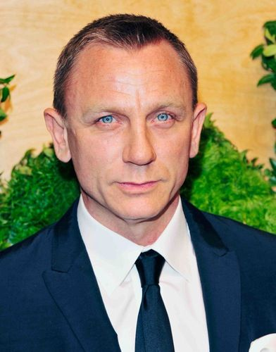Daniel Craig Undergoes Surgery After Being Injured on Set of New James Bond Movie 'Spectre'