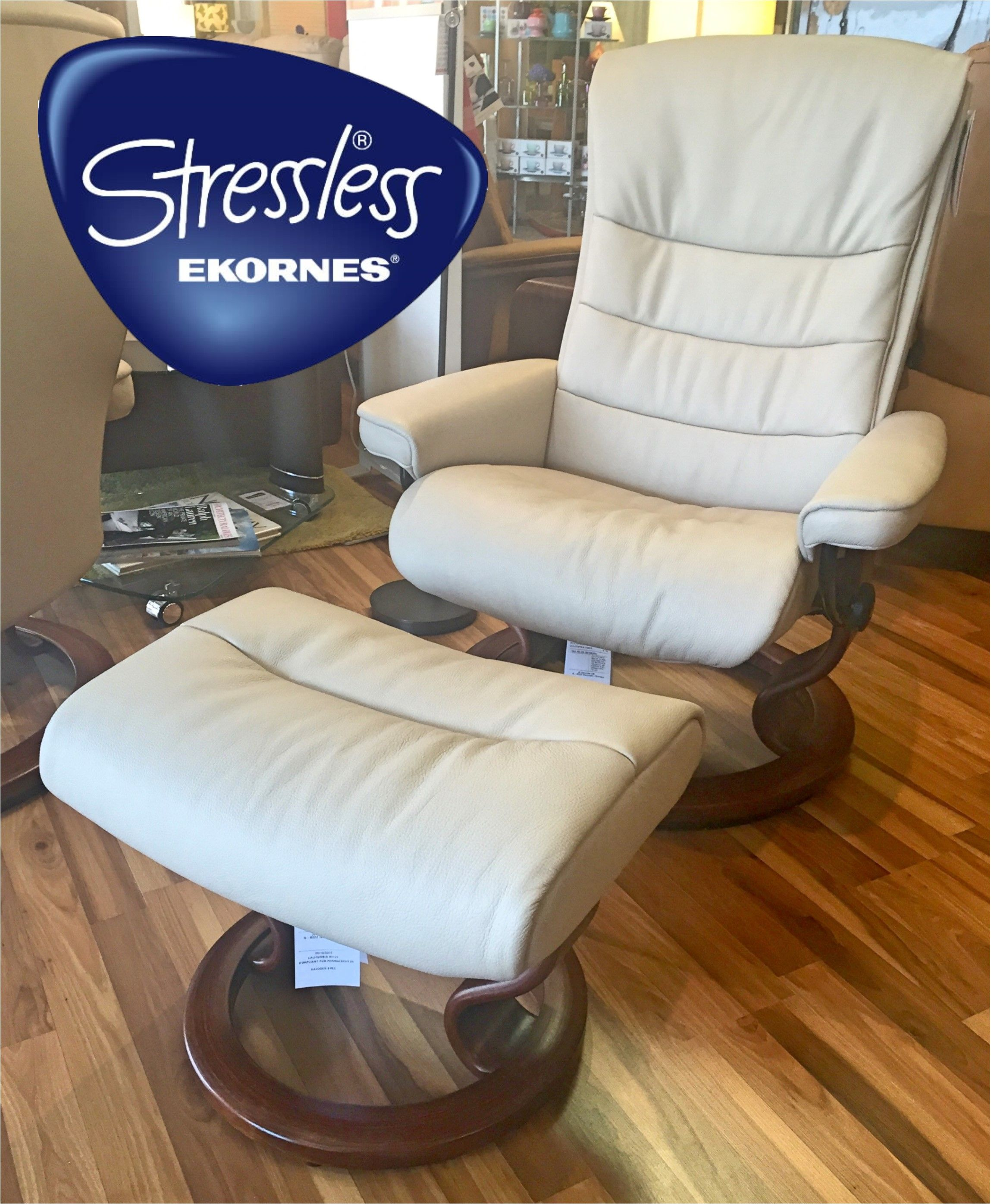 Stressless Nordic Legcomfort Nordic Recliner In Cori Fog With Walnut Base Available At Scanhome