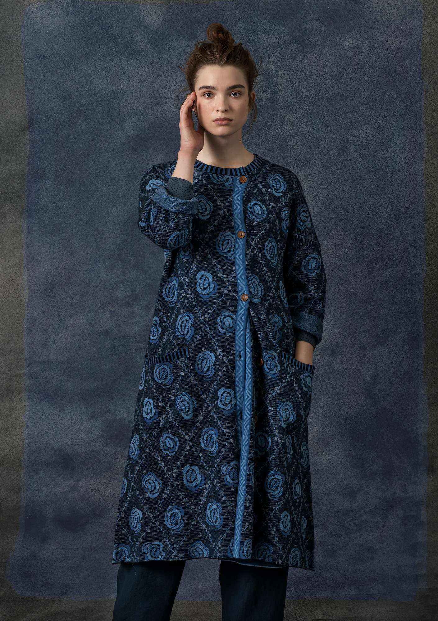 Stunning jacquard knit coat with a brocade inspired rose