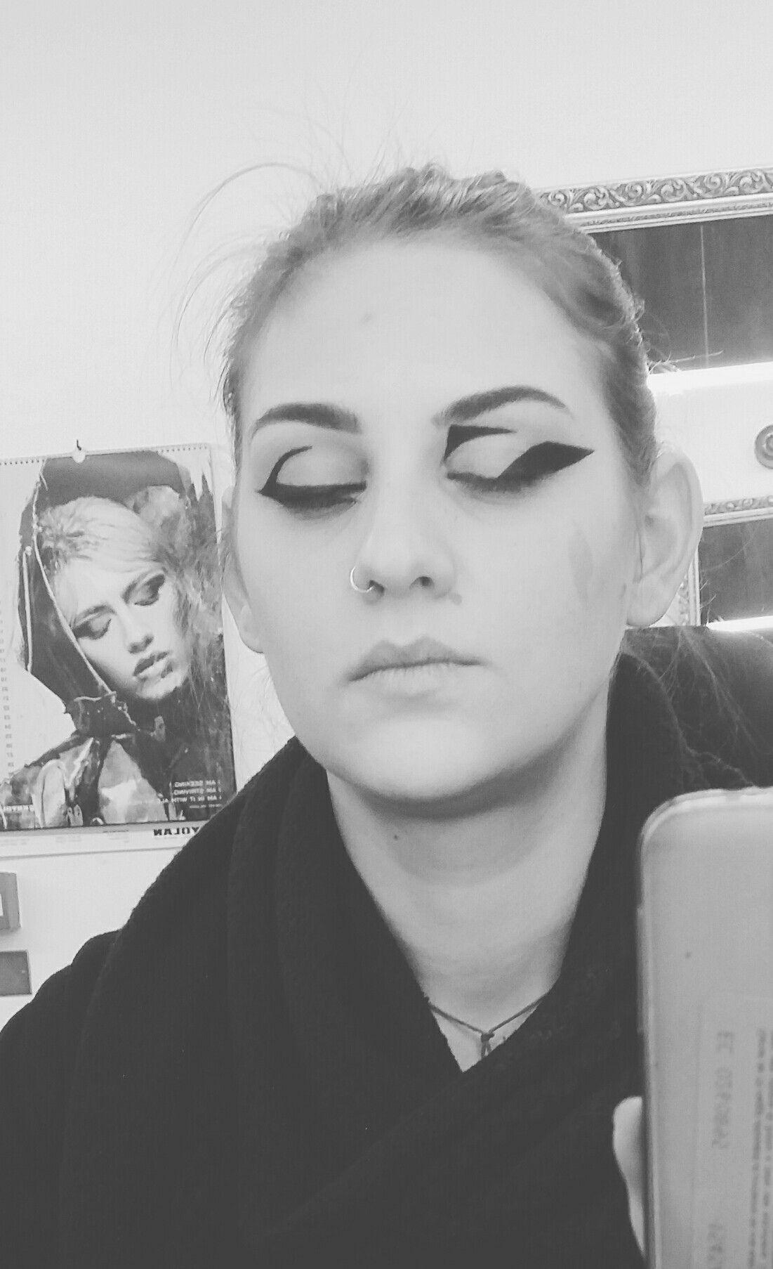 eyeliner grafico