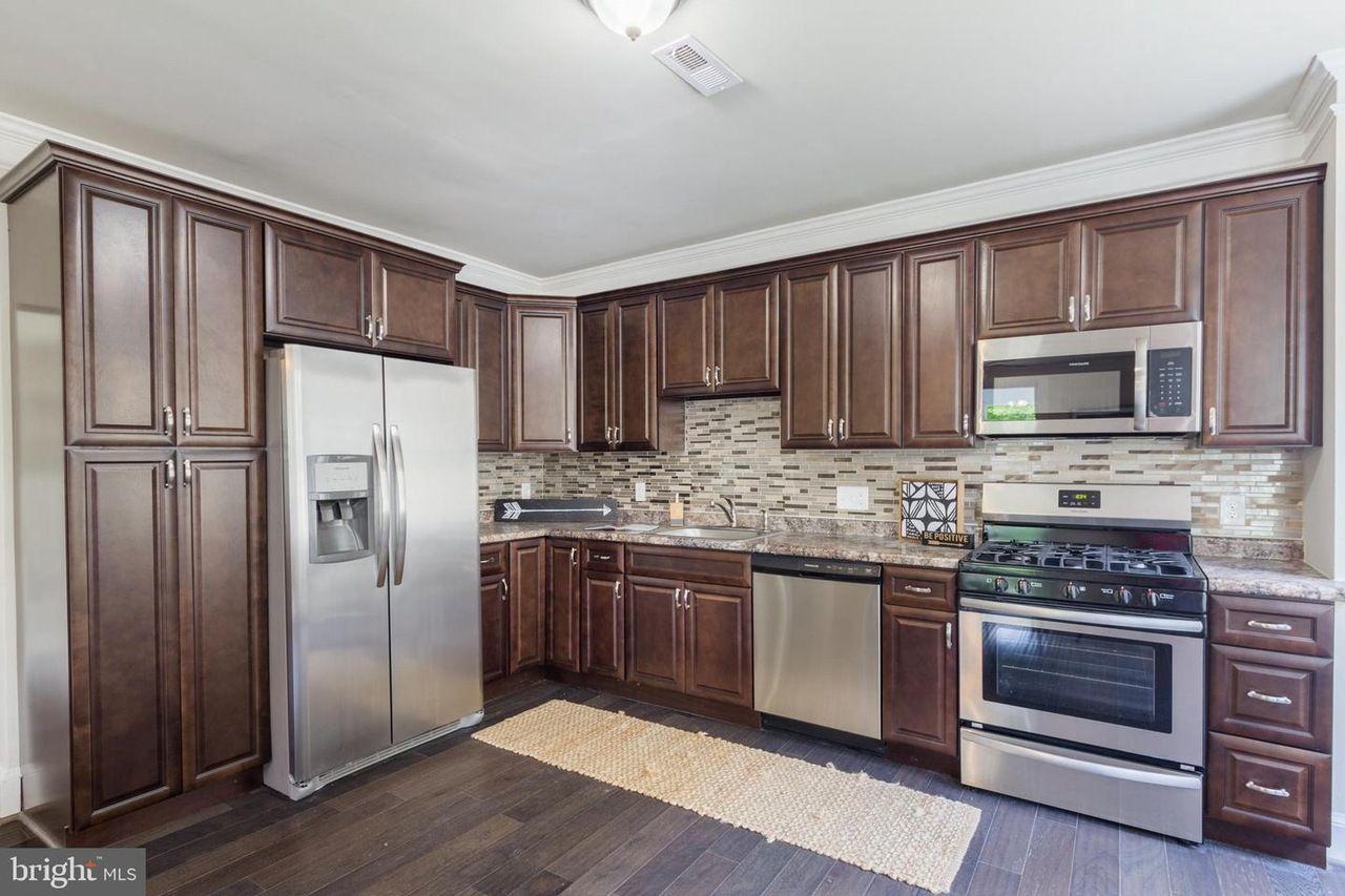 Https Www Redfin Com Md Baltimore 4903 Crowson Ave 21212 Home 11208911 Utm Source Ios Share Utm Medium Share Utm Noov Kitchen Layout Kitchen Kitchen Cabinets