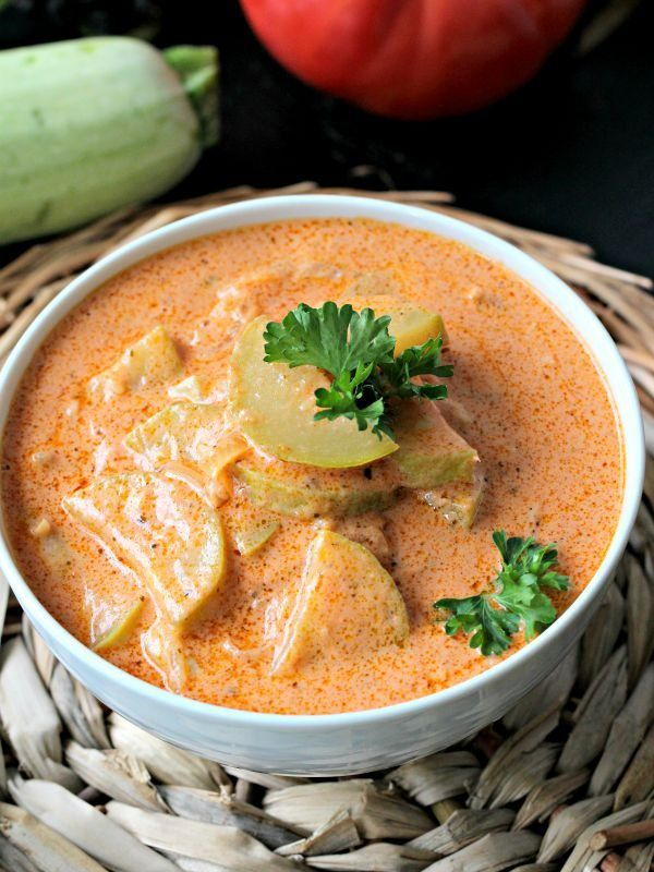 A homemade, creamy and chunky grey zucchini tomato soup, uses summer produce, has only 5 ingredients and is ready in 40 minutes.