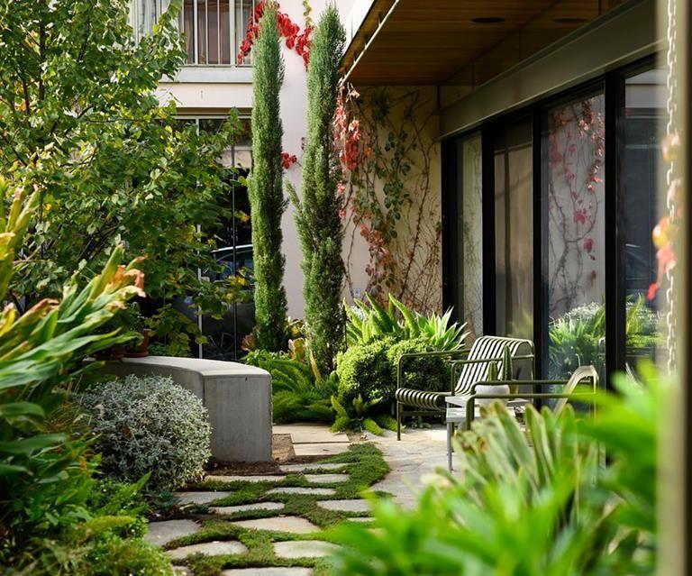 Photo of A private European-style courtyard garden