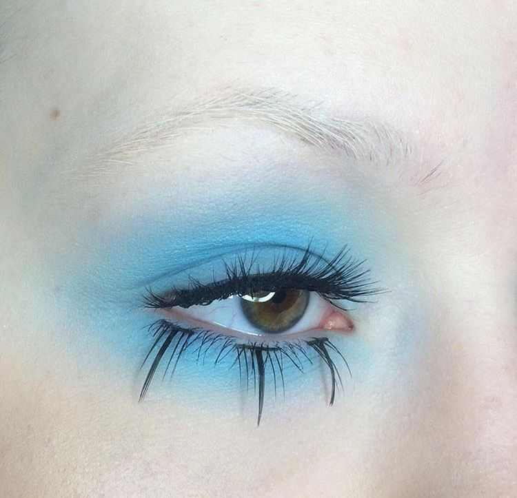 Pin by Violet on face art in 2019   Eye makeup, Makeup ...
