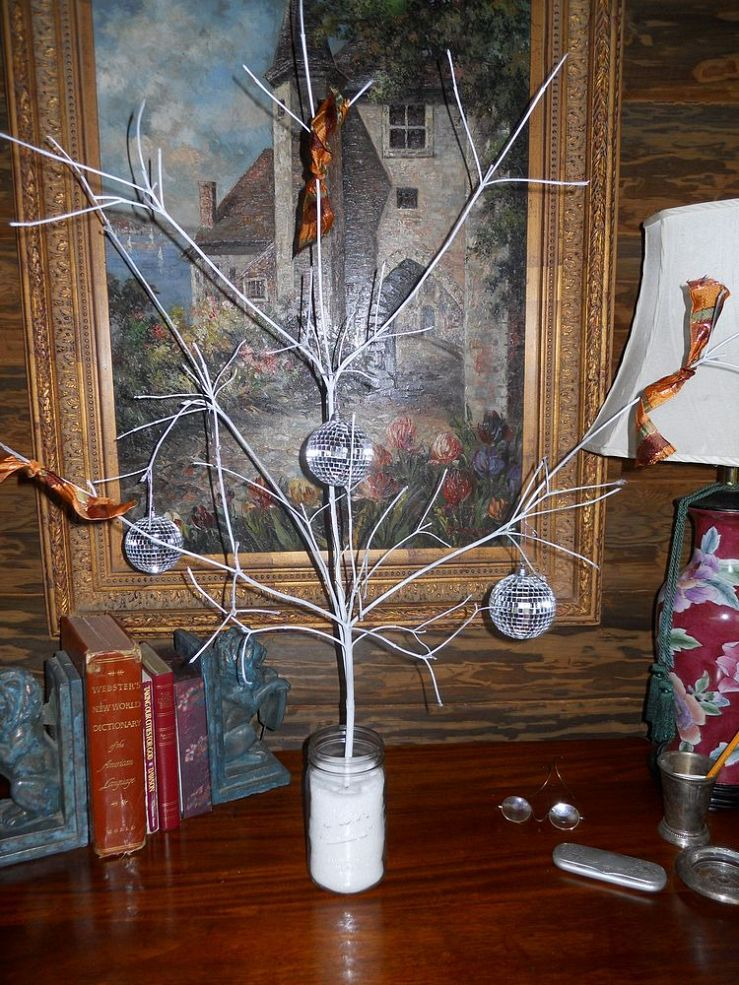 I am so hoping that you enjoy and benefit from these Budget Holiday Decor Ideas.