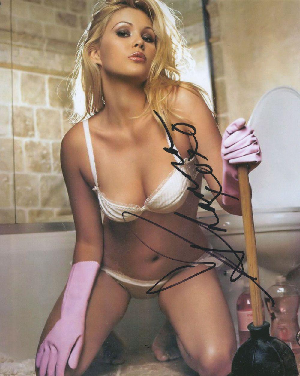sexy bikini photos of shanna moakler